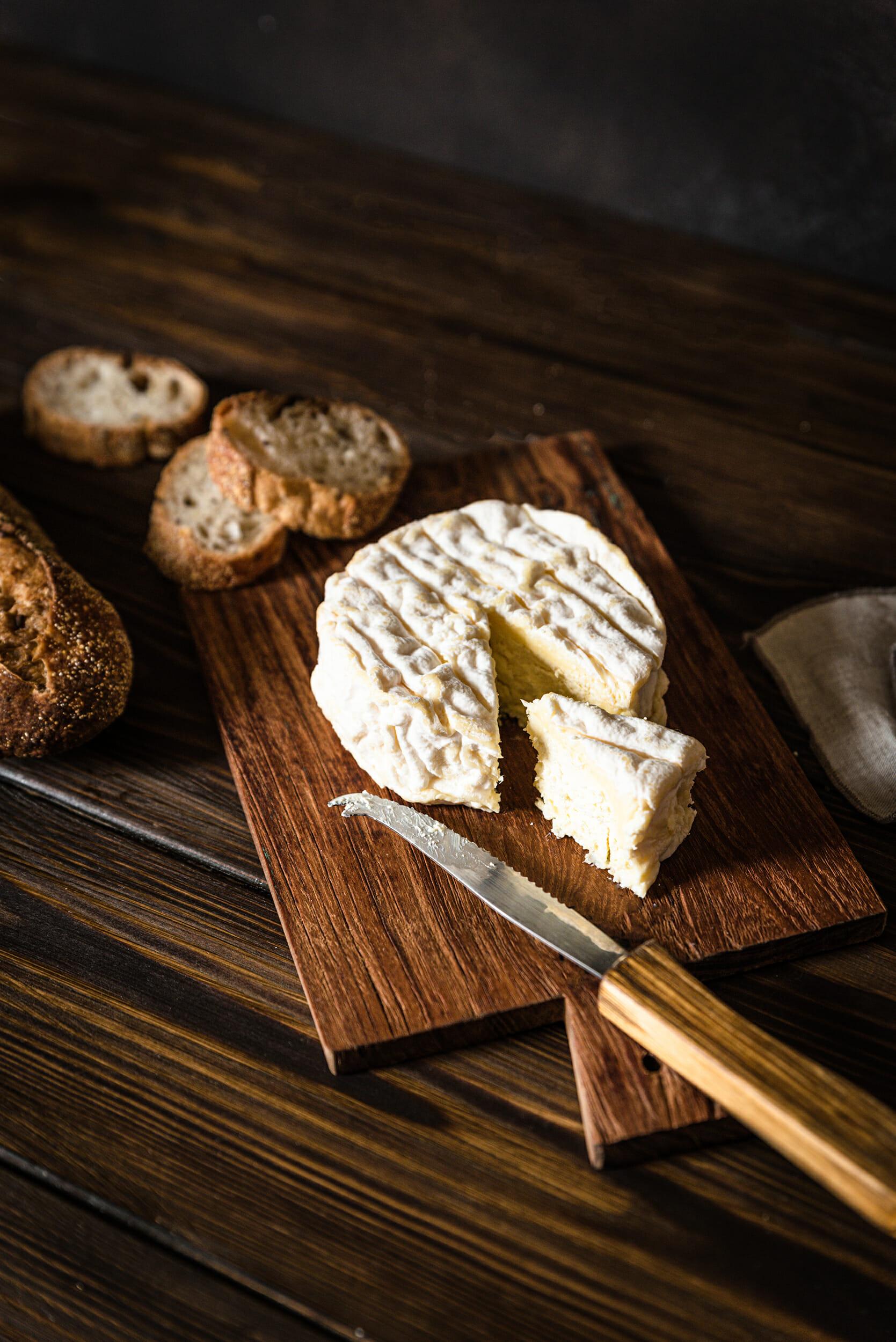 La Fleur du Gouët croûte fleurie fromages fermiers au lait cru BIO - Les Prairies de la Noé (22)